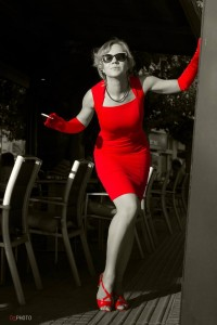 b_w_lady in red_1